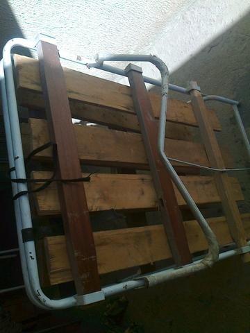 Vende-se uma cama de abrir e fechar usada em ótimo estado de uso!
