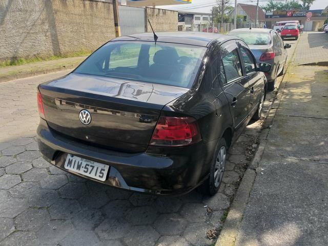 Volkswagen Voyage completo 1.6 impecável vale a pena conferir único dono