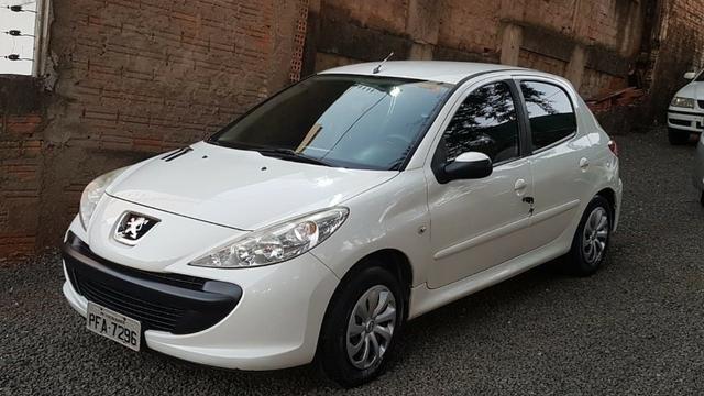 Peugeot 207 Hatch 1.4 2012