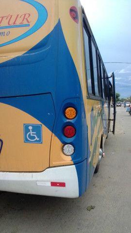 Micro ônibus rodoviário executivo Comil Piá