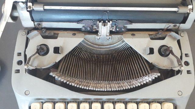 Máquina De Datilografia - Máquina De Escrever - Funcionando - Foto 4
