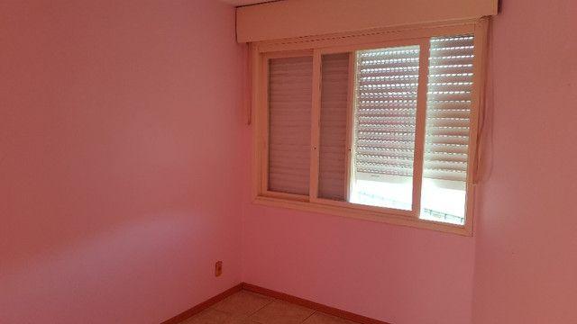 Apto 01 dormitorio s/ garagem- bairro teresopolis - Foto 2