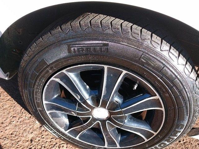 Rodas 14 pneus meia vida. - Foto 4