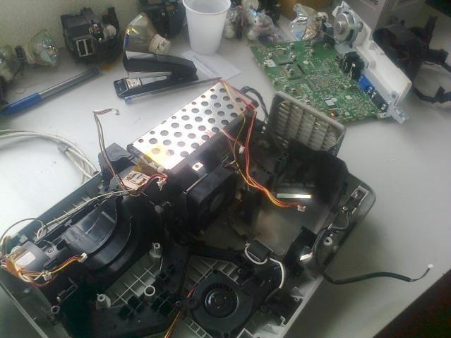 Assistência Técnica / Conserto manutenção locação de projetor datashow Sorocaba e região