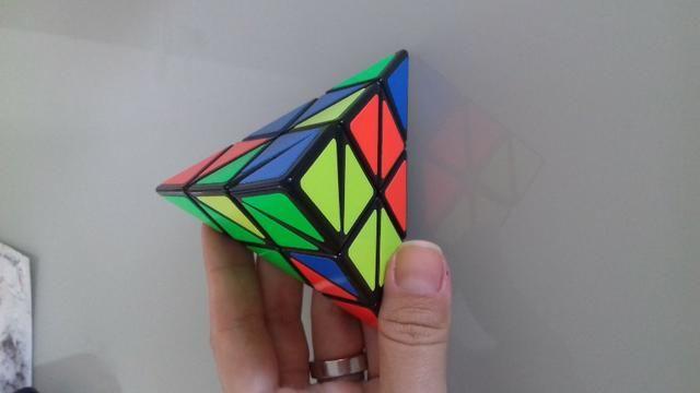 Triangulo mágico cubo mágico