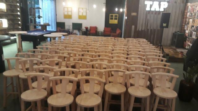 Banquetas bistrô e cadeiras Brusque