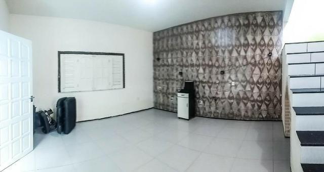 CA1759 Casa duplex com 3 quartos, 2 vagas, 240m² de área construída, Bairro Siqueira - Foto 3
