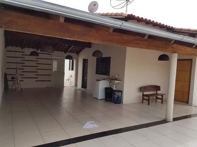Casa em Araxá com 03 quartos - Foto 2