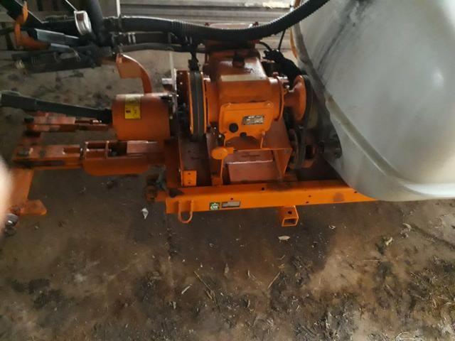 Pulverizador Jacto 1000 litros - Foto 2