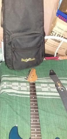 Vendo guitarra Gianinni com capa, correia e cabo p10 de 5 M . mas informações pv !! - Foto 3
