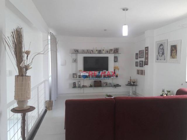 RE/MAX Specialists vende linda casa localizado no bairro Felícia. - Foto 14