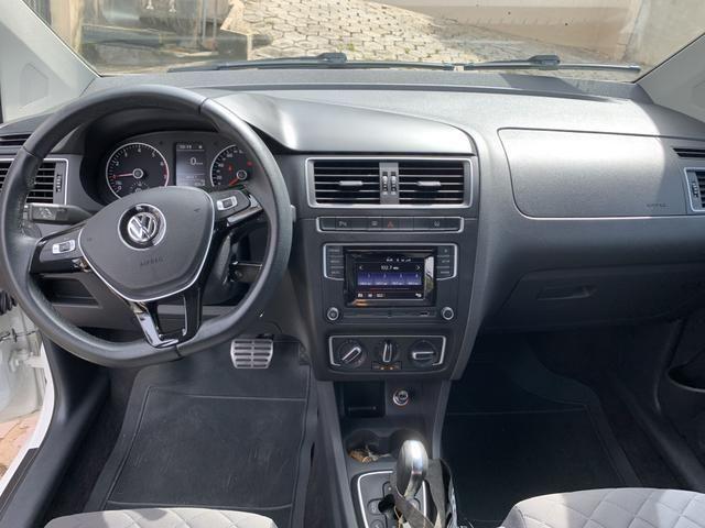 Vendo Volkswagen Fox Highline i motion 1.6 120cv automatizado - Foto 8