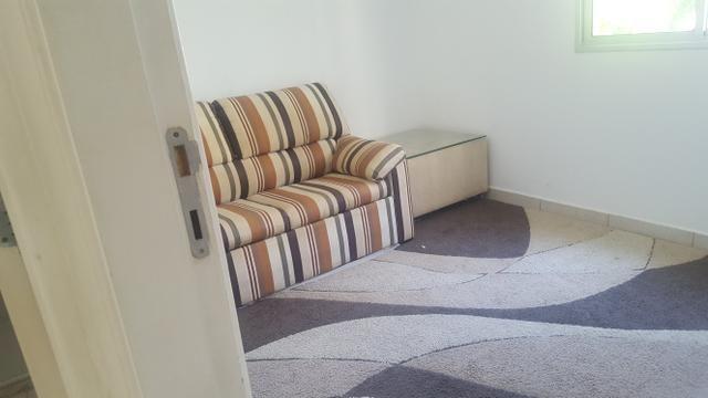 Apartamento semi mobiliado 2/4 com suite em Buraquinho próximo a estrada do coco