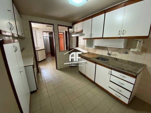Apartamento Localizado 50 metros da orla de Ponta Verde, 3 suítes, 140m² - Foto 6