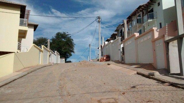 Casa em Condomínio com 03 suítes e Terreno de 225 m² - Não Geminada! - Foto 2