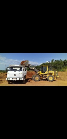 Trabalhamos com venda de areia pedra brita barro terra preta e retirada de entulho