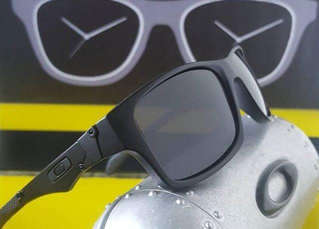 Óculos Oakley Jupiter Squared Iridium