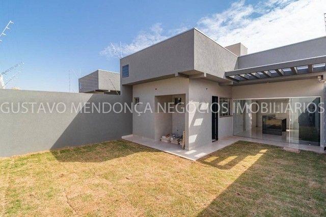 Belíssima casa térrea nova no bairro Rita Vieira 1-  Com duas suites - Foto 8