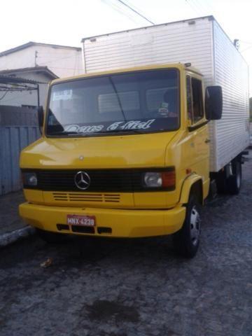 MERCEDESBENZ 710 2001