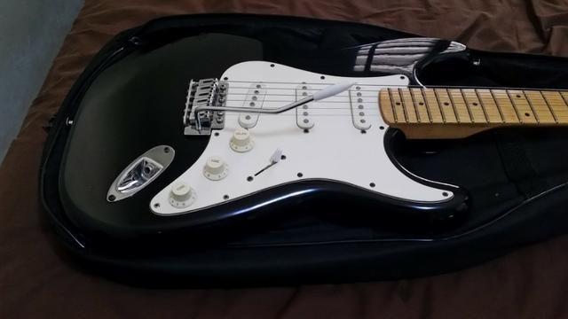 Guitarra Washburn Strato Lyon Séries (Original)