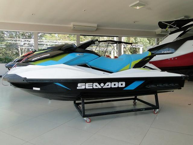 Jet-ski-sea-doo-2016