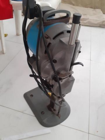 Máquina de corte 6 cm em ótimo estado de uso