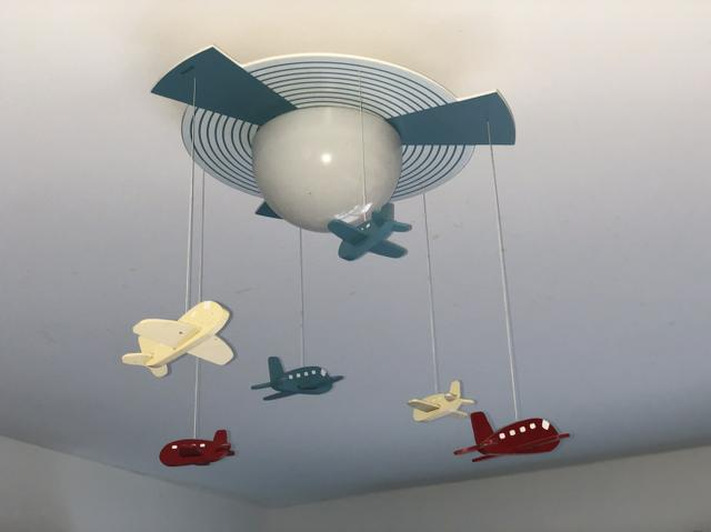 Lustre Infantil de Aviões