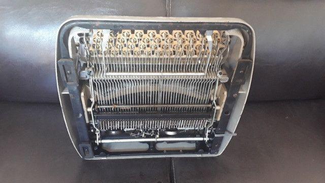 Máquina De Datilografia - Máquina De Escrever - Funcionando - Foto 5