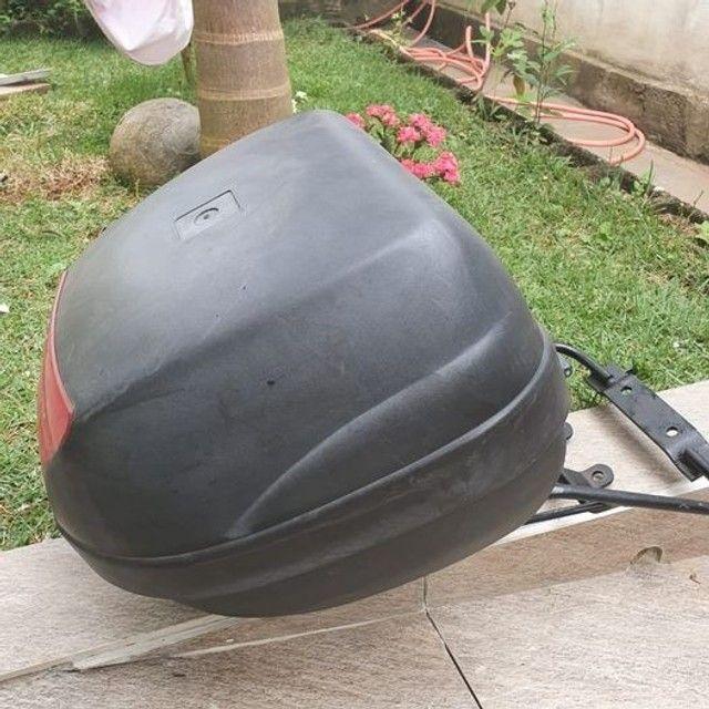 Baú Givi + suporte para moto. - Foto 2