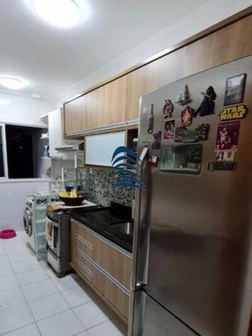Apartamento 2 quartos sendo 1 suíte na Pituba! Excelente localização, varanda com fechamen - Foto 2