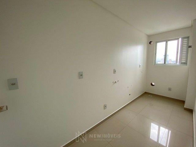 Excelente Apartamento com 3 Suítes e 2 Vagas em Balneário Camboriú - Foto 7