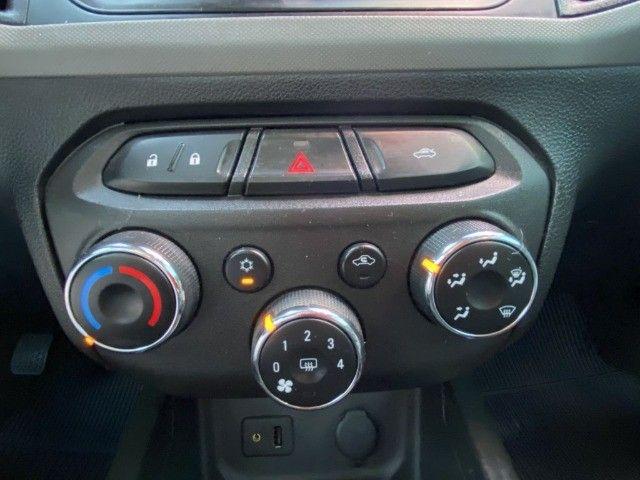 Onix Hatch LT 1.0 Mecânico 2015 - Foto 12