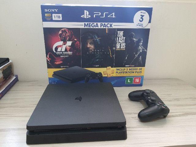 Playstation 4 + 3 Jogos (Garantia até Novembro de 2021)