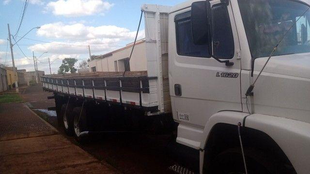 Caminhão MB1620