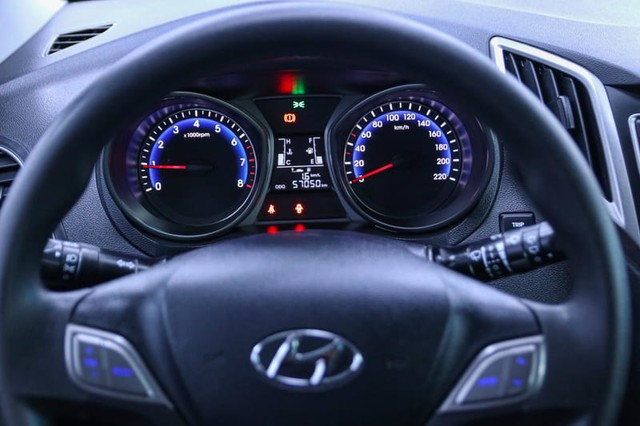 Hyundai HB20 1.0M UNIQUE - Foto 7