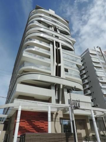 Belíssimo apartamento no bairro Atiradores pronto para morar