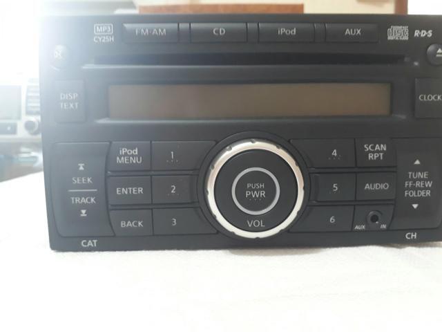 Rádio AM / FM / CD / IPod /