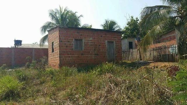 Troco vendo casa com 2 terrenos juntos com titulo 10x25 cada um