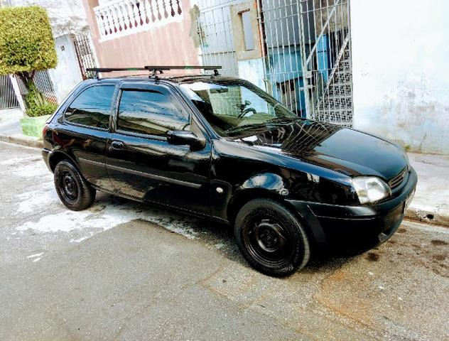 Carro Ford Fiesta 2001