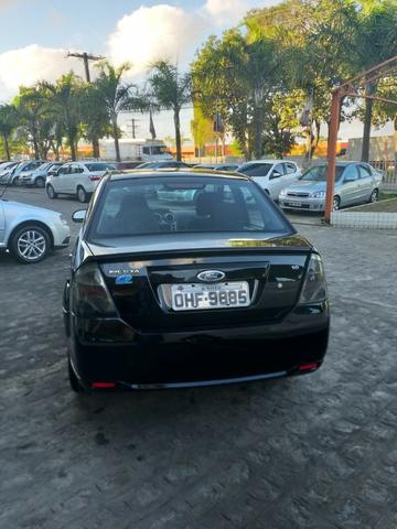 Fiesta sedan 1.6 2013 - Foto 4