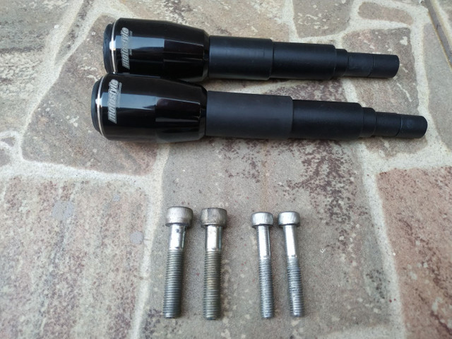 Slider CB 650F preto, usado, perfeitamente funcional