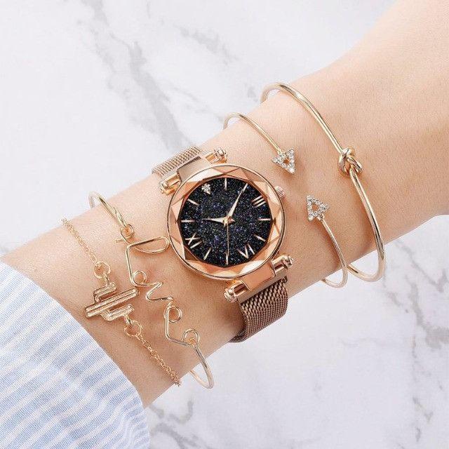 Conjunto de Relógio Feminino de luxo com 4 Pulseiras Folheadas a ouro - Foto 2