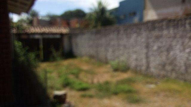 Casa centro de Rio das Ostras linear 03 quartos com vaga p 5 carros e quintal - Foto 5