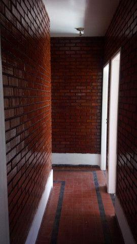 Casa centro de Rio das Ostras linear 03 quartos com vaga p 5 carros e quintal - Foto 13
