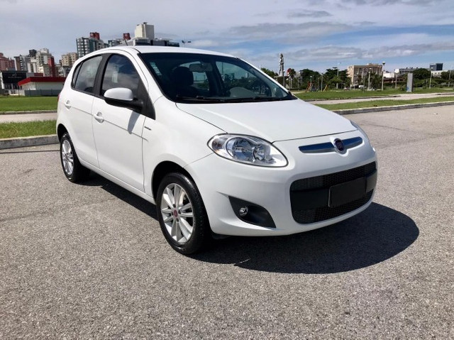 Fiat Palio Essence 1.6 . Completo . 2015 - Foto 13