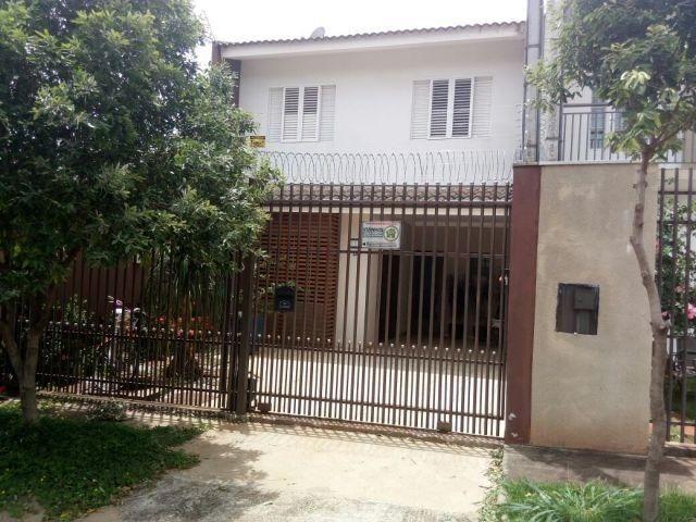 Sobrado à venda, 2 quartos, 2 vagas, Jardim Cidade Monções - Maringá/PR