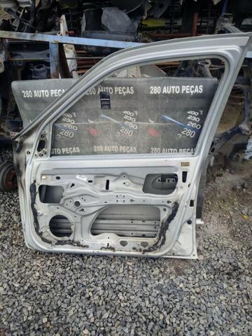 Porta Renault Clio 2001 A 2012 Dianteira Direita - Foto 4