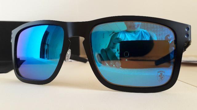 3d11009330 Óculos Oakley Holbrook Metal Scuderia Ferrari Preto c/ Lente Azul  Polarizado - Novo