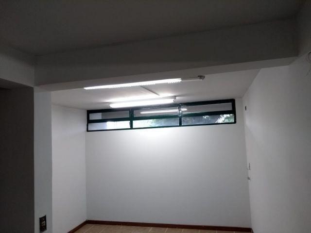 Sobrado com elevador em região de clinicas e hospitais com 580m² próximo da Av. Curitiba - Foto 17