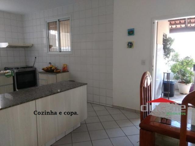 Vende-se Casa grande com Quintal em Jardim Camburi - Foto 3